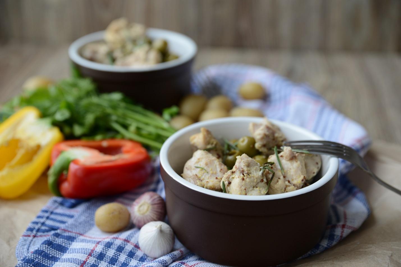Запекаем куриные ножки с картошкой и луком