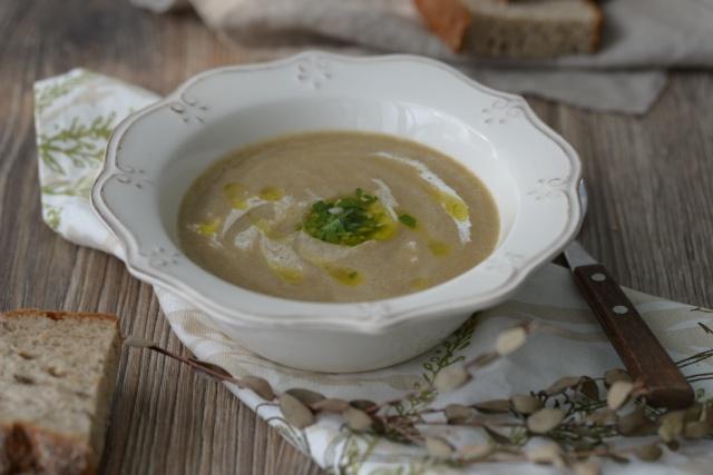 Крем-суп из шампиньонов со сливками в мультиварке редмонд